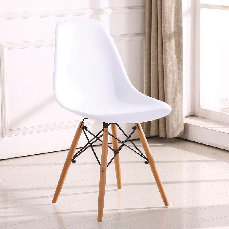 ghế màu trắng