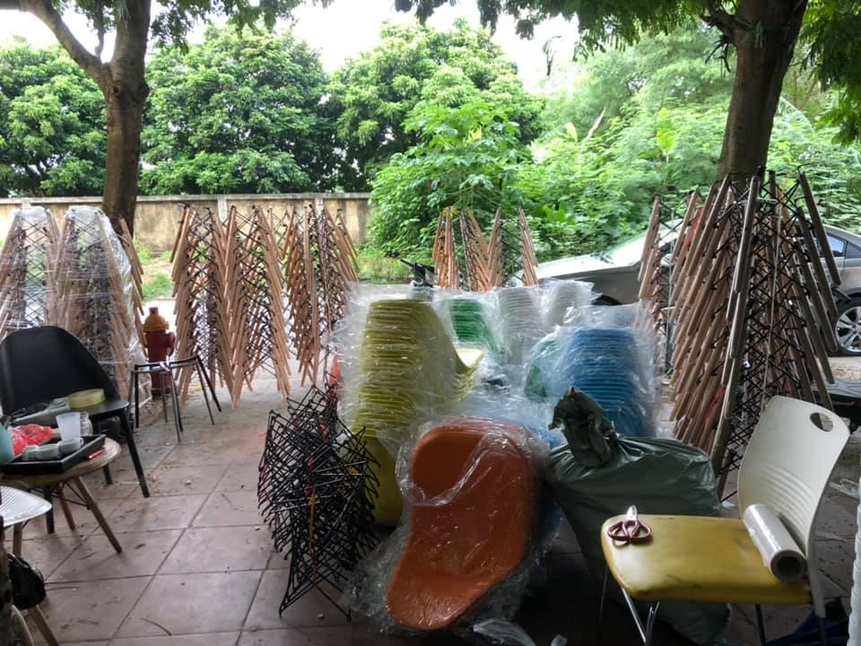 Ghế Nhựa chân gỗ luôn full kho hàng tại Bạch Mã