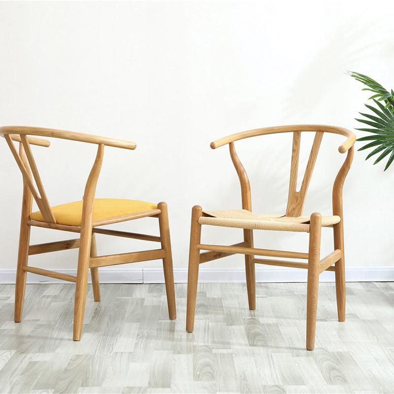 ghế wishbone nỉ đan hoặc đệm bọc da