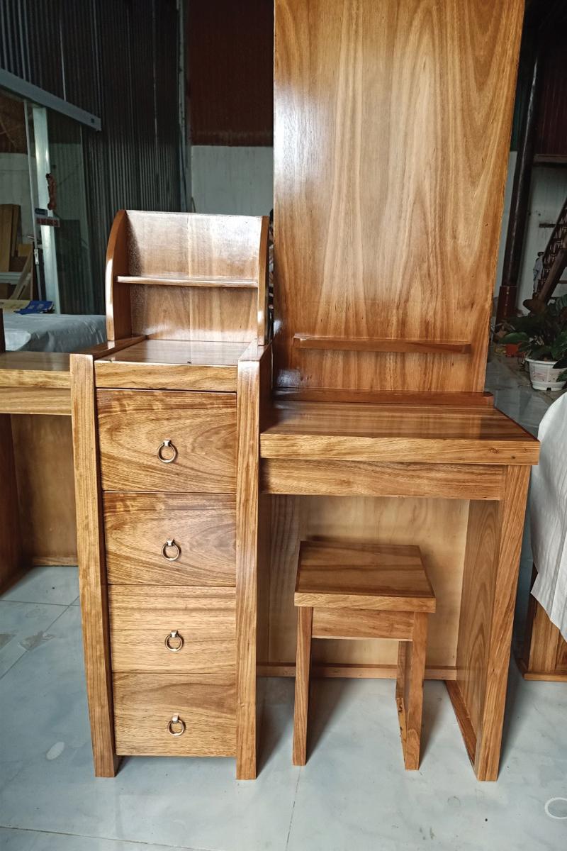 mẫu bàn gỗ hương đá cao cấp