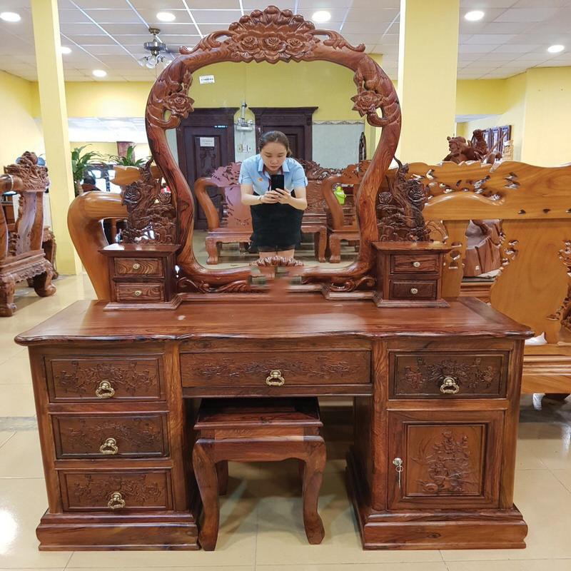 mẫu bàn trang điểm gỗ cẩm lai