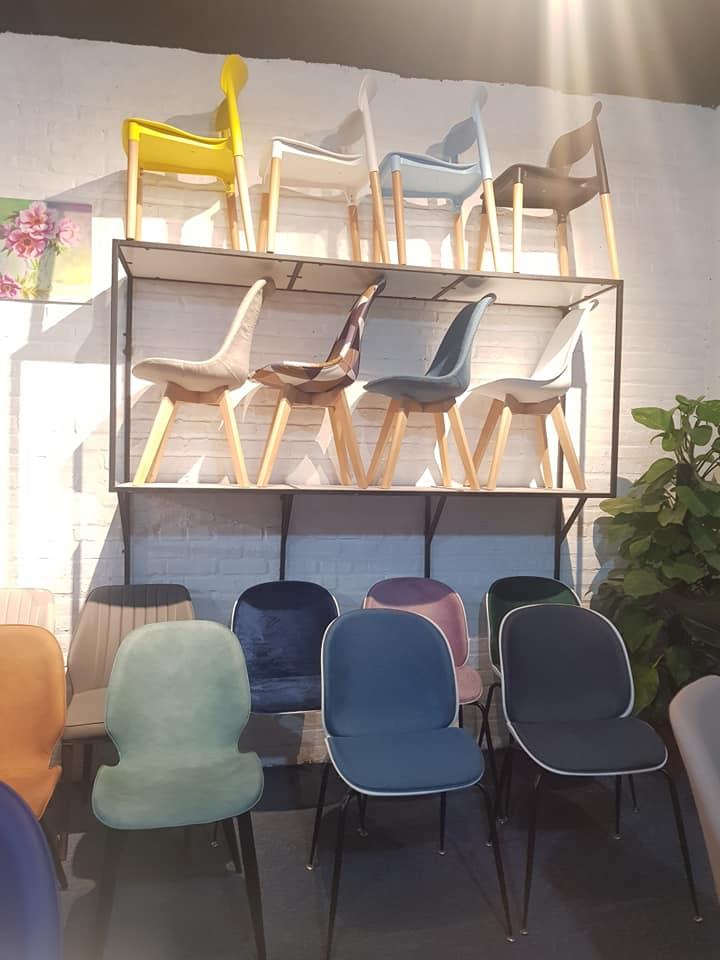 Khu vực trưng bày ghế ăn nhập khẩu