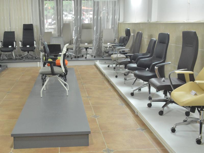 khu vực trưng bày ghế quản lý giám đốc