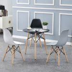 bàn mặt đen ghế màu xám, nâu, đen