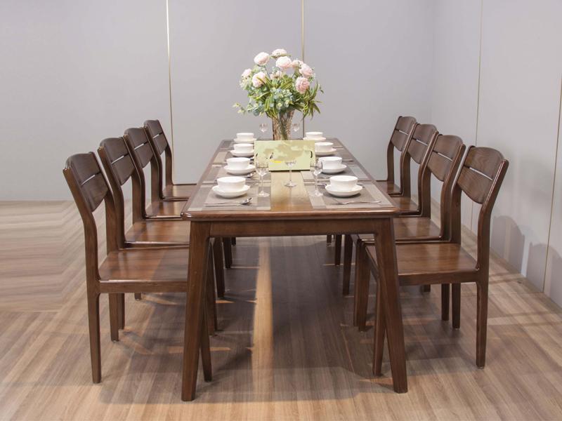 Bạch Mã địa chỉ bán bàn ăn gỗ sồi uy tín