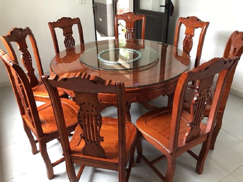 Bàn ăn tròn 8 ghế làm bằng gỗ tự nhiên