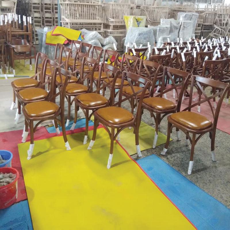 xưởng sản xuất bàn ghế cà phê bạch mã
