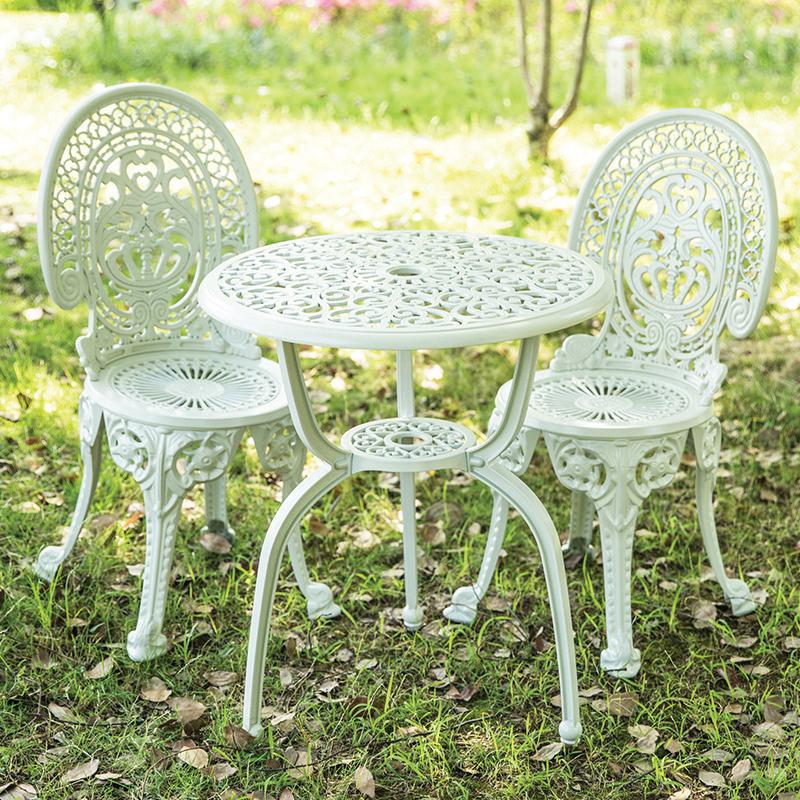Bộ bàn 2 ghế sân vườn phong cách Bắc Âu