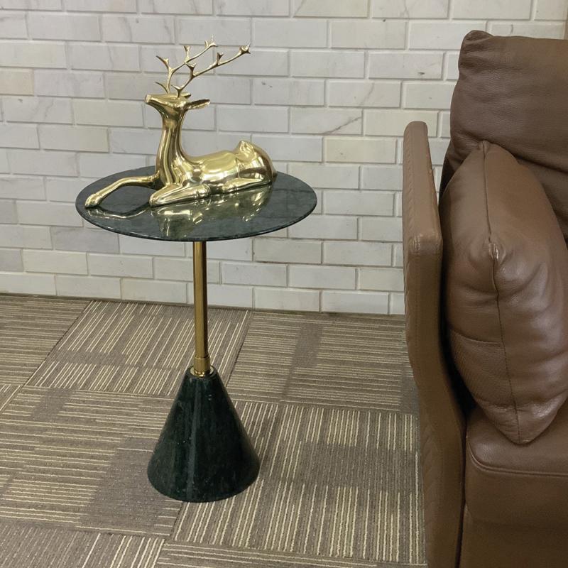 mẫu bàn cafe hiện đại màu ngọc