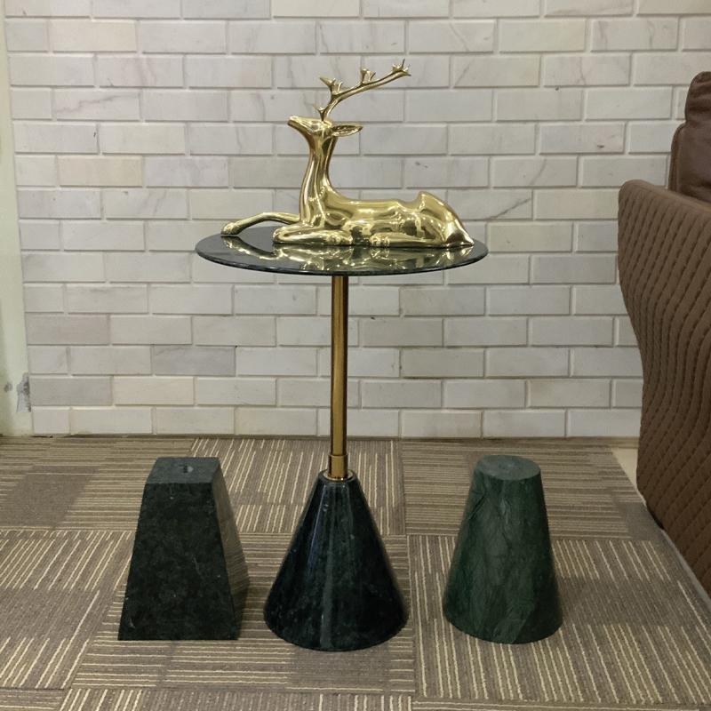 thiết kế bàn ghế cafe đá